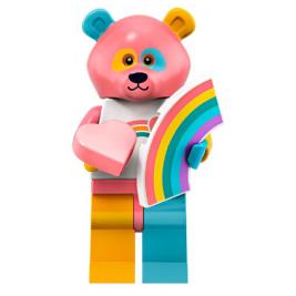 Chico del disfraz de oso