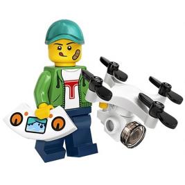 Chico con  dron