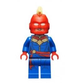 Capitana Marvel - Con casco