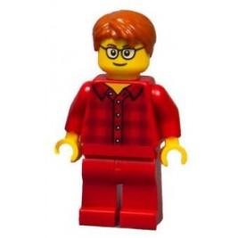 Chico con atuendo rojo