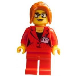 Chica con traje rojo